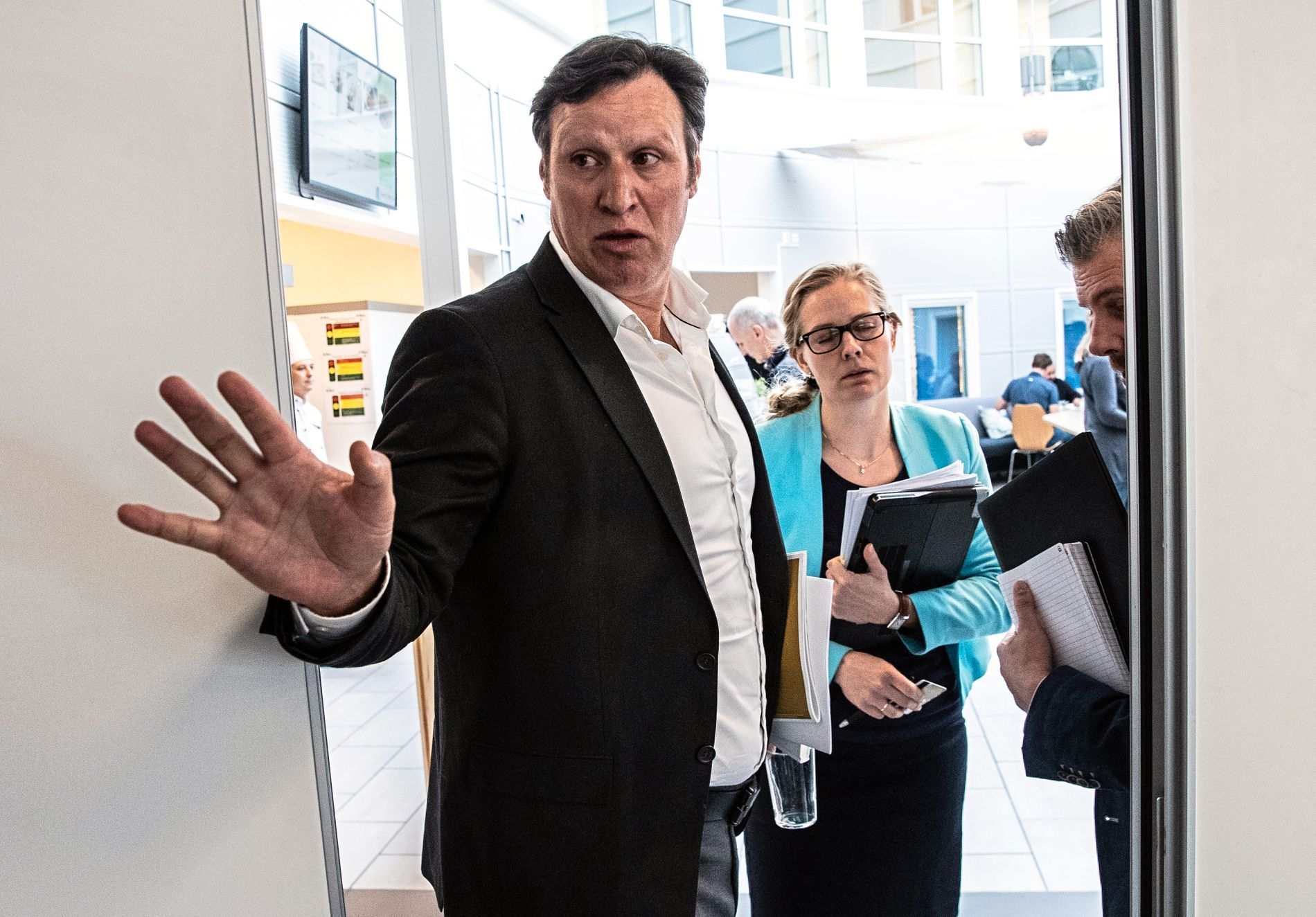 Idrettspresident Tom Tvedt og forvaltningsansvarlig Stine Schultz Heiring redegjorde, sammen med generalsekretær Karen Kvalevåg, for NIFs syn på Riksrevisjonens rapport på en pressekonferanse på Ullevaal.