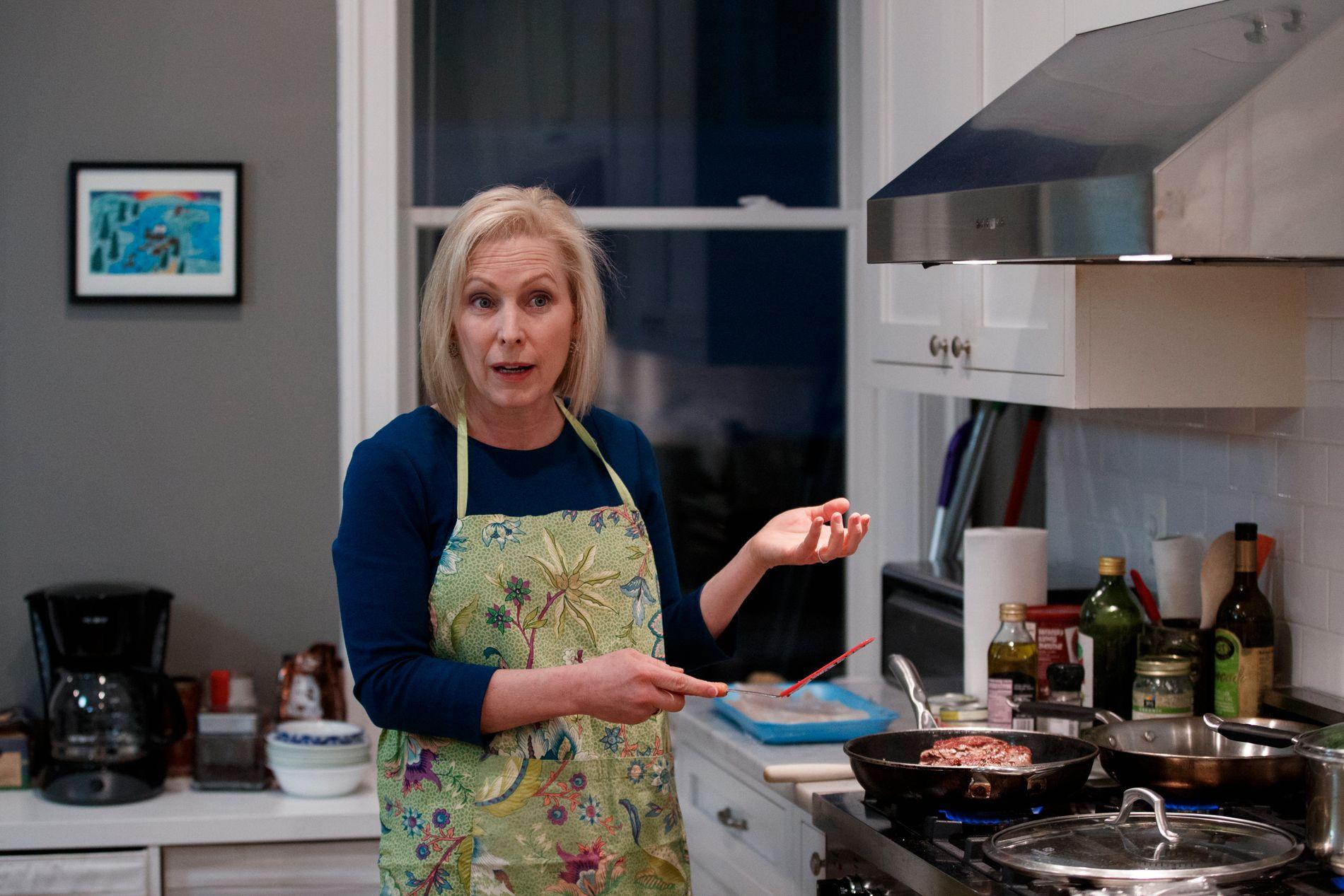 HJEMME: Nyhetsbyrået AP besøkte Kirsten Gillibrand i hennes hjem i Washington, D.C. i februar.