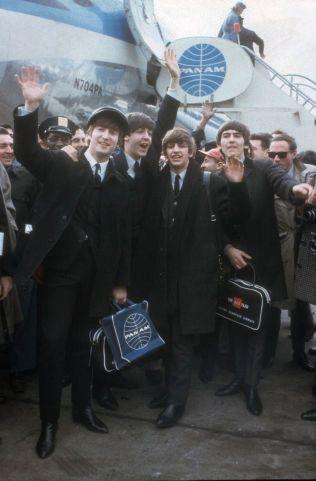 BEATLEMANIA: Da Beatles landet på Kennedy-flyplassen i New York 7. februar 1964, begynte det som musikkpressen kalte «Den britiske invasjon».