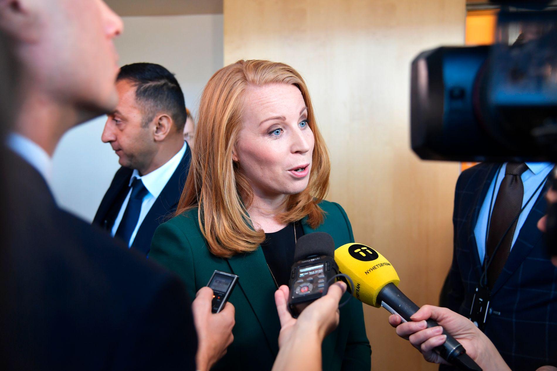 VIL IKKE: Centerpartiets partileder Annie Lööf sier de ikke vil støtte en borgerlig regjering i Sverige med færre enn fire partier.