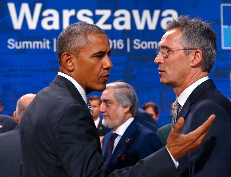 TETT PÅ: Jens Stoltenberg og Barack Obama under Warszawa-toppmøtet lørdag.