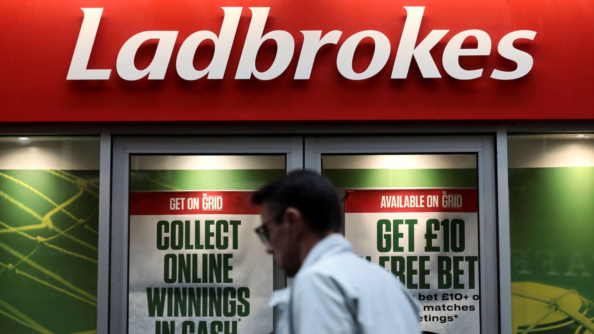 301,5 MILLIONER: Oljefondet har investert i bettingselskapet Ladbrokes, som har base i Storbritannia.