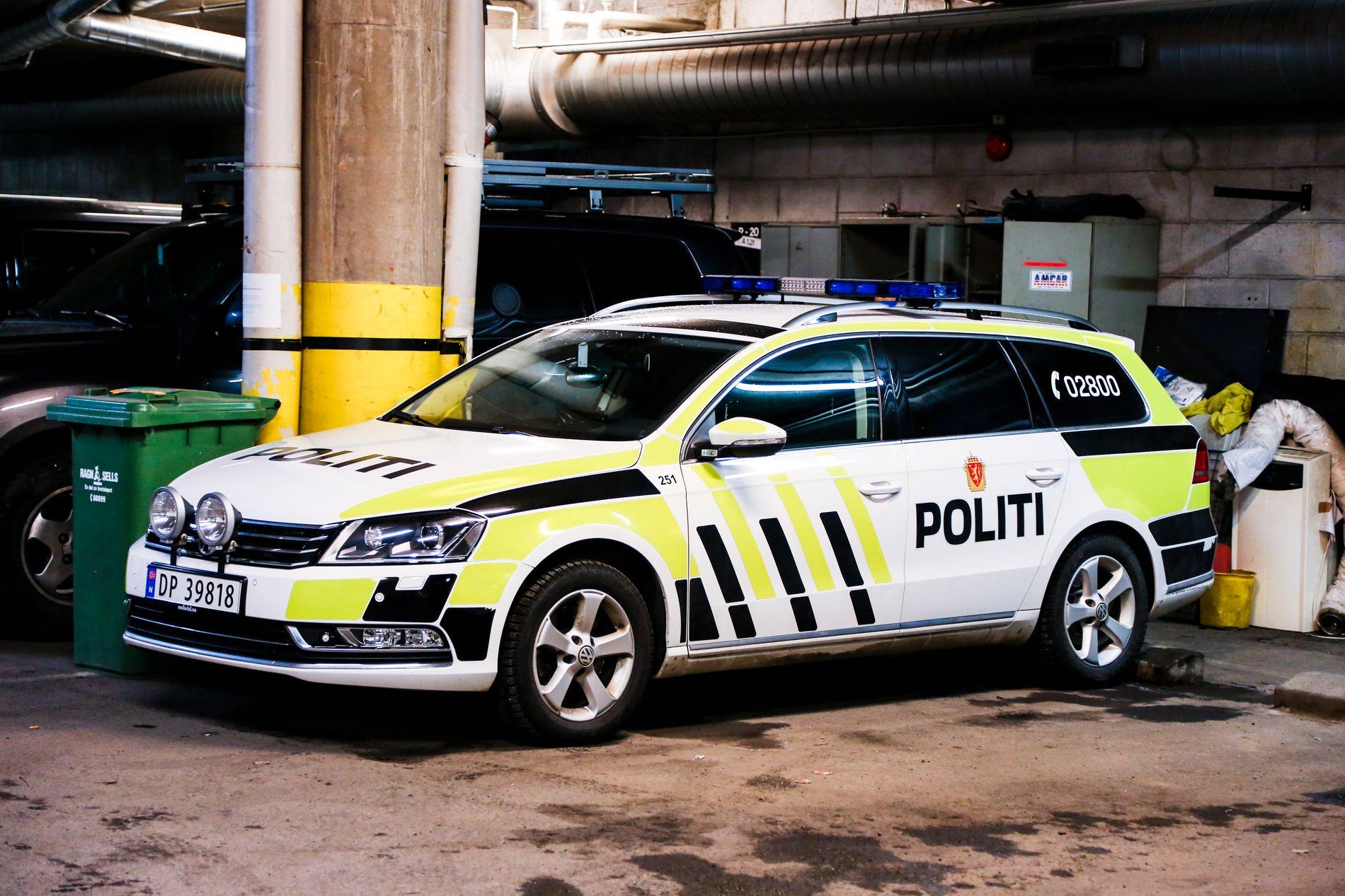PENSJONERES: Volkswagen Passat har vært politiets småpatruljebil i 10 år, men nå er partnerskapet over. Volkswagens direktør i Norge er usikker på om bilmerket vil være med på flere anbudsrunder.
