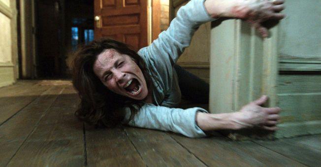 HJEMSØKT: Lili Taylor som Carolyn Perron i «The Conjuring».