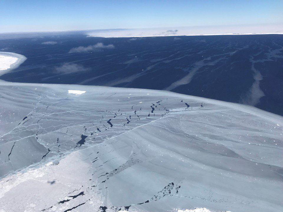 UNDER ISEN: Ved hjelp av iskjerner fra Antarktis har forskere ved Universitetet i London funnet sammenheng mellom menneskelig aktivitet og klimaendringer helt tilbake på 1600-tallet.
