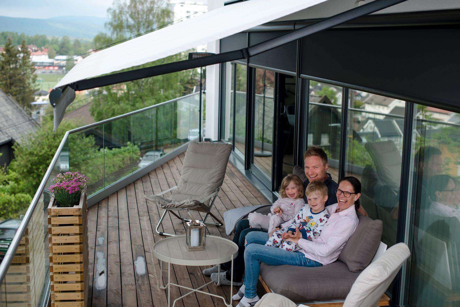 TERRASSELIV HELE ÅRET: Solskjerming fungerer like godt både sommer som vinter her i Norge.