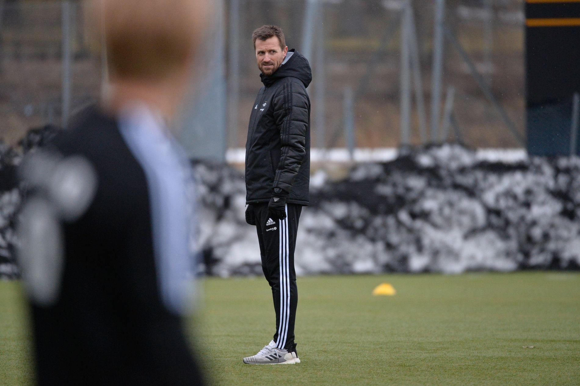 MÅ OVERBEVISES: Rosenborg-trener Eirik Horneland på mandagens trening.