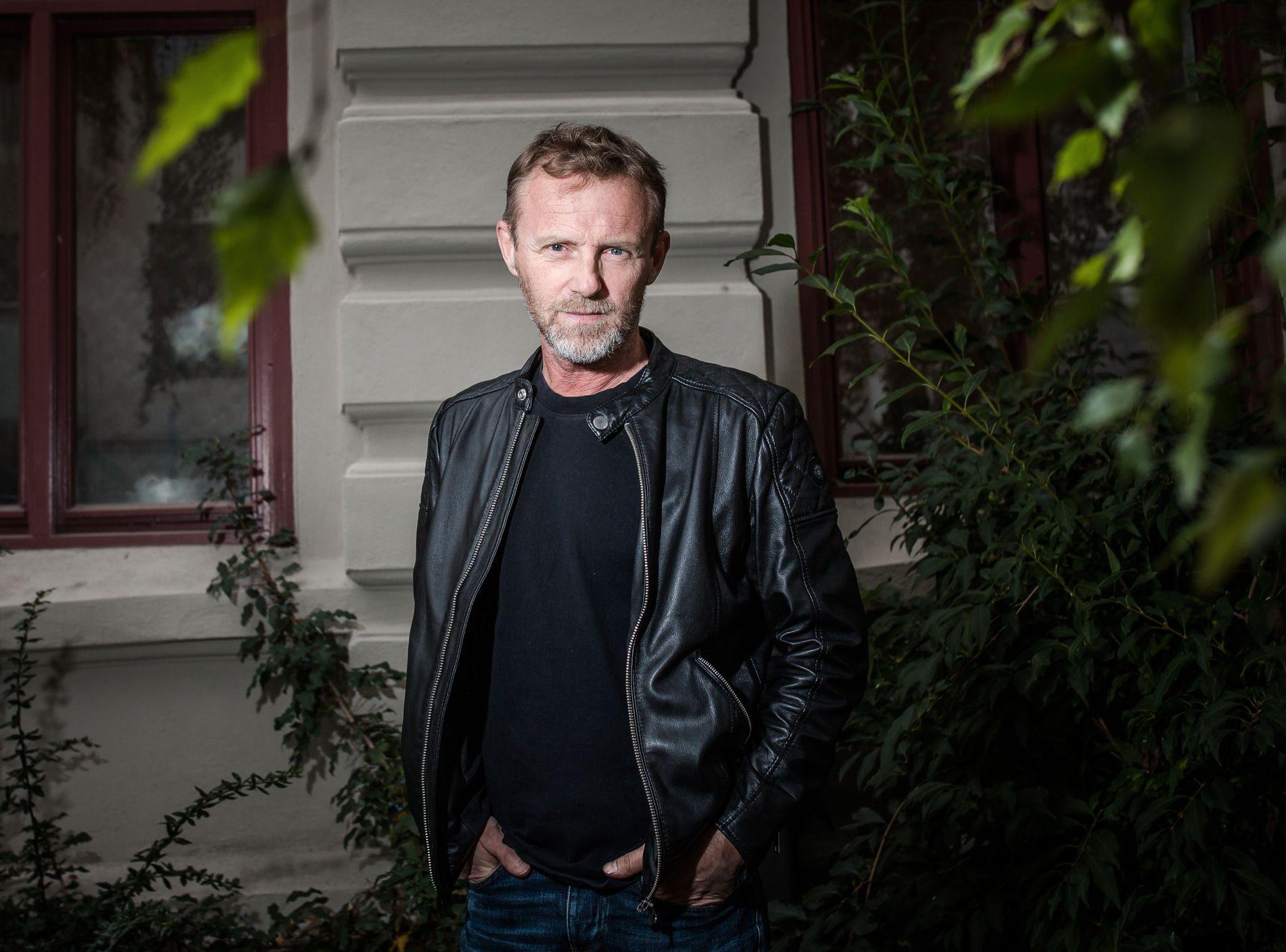 BORTE FRA LISTA: Jo Nesbø har hele tiden stått oppført som produsent på «Snømannen». Denne uken er han fjernet fra produsentlista, og det samme er hans agent Niclas Salomonsson.