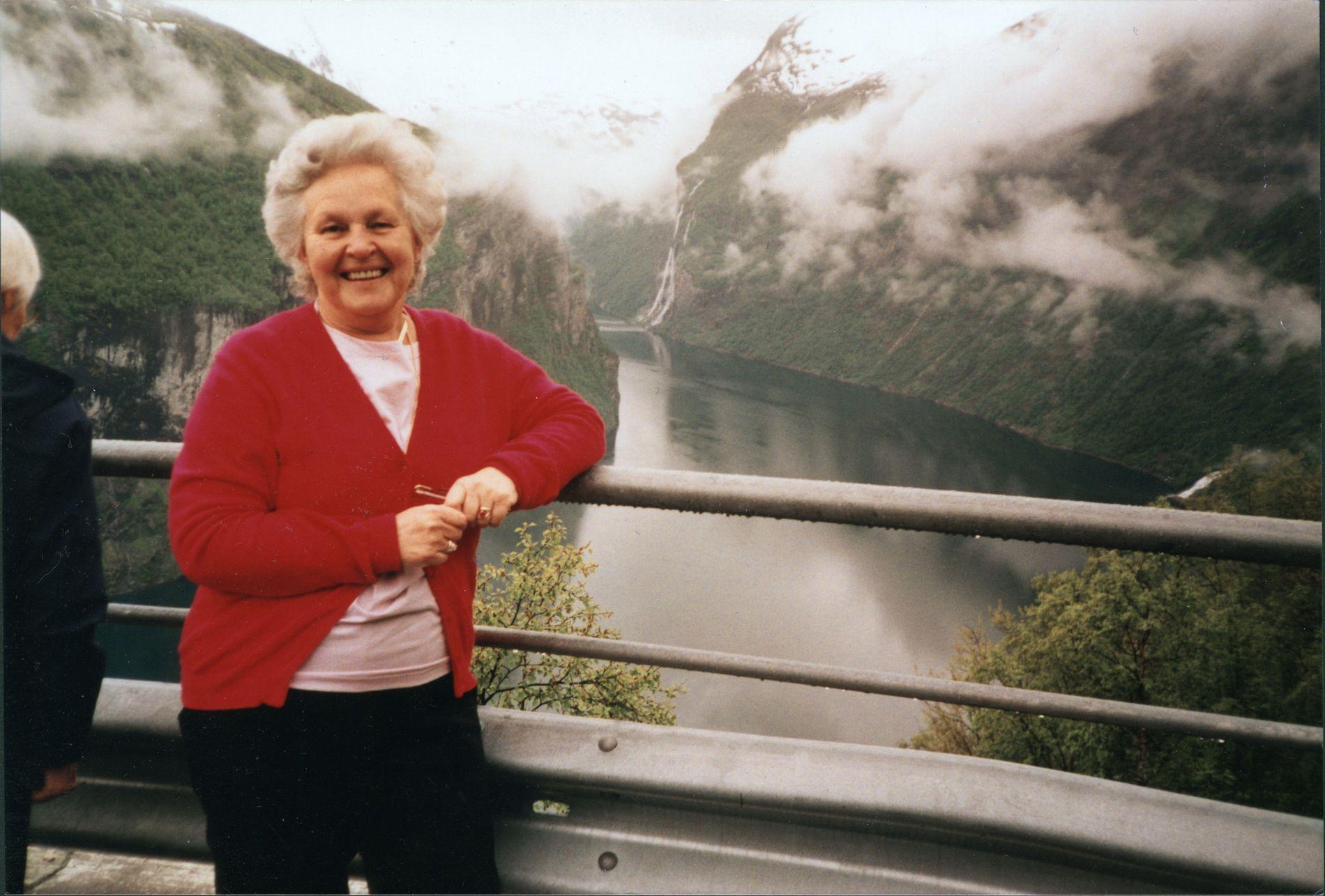 Karen Anna Nilsen var aktiv helt til det siste året hun levde. Her er hun på tur på Vestlandet.