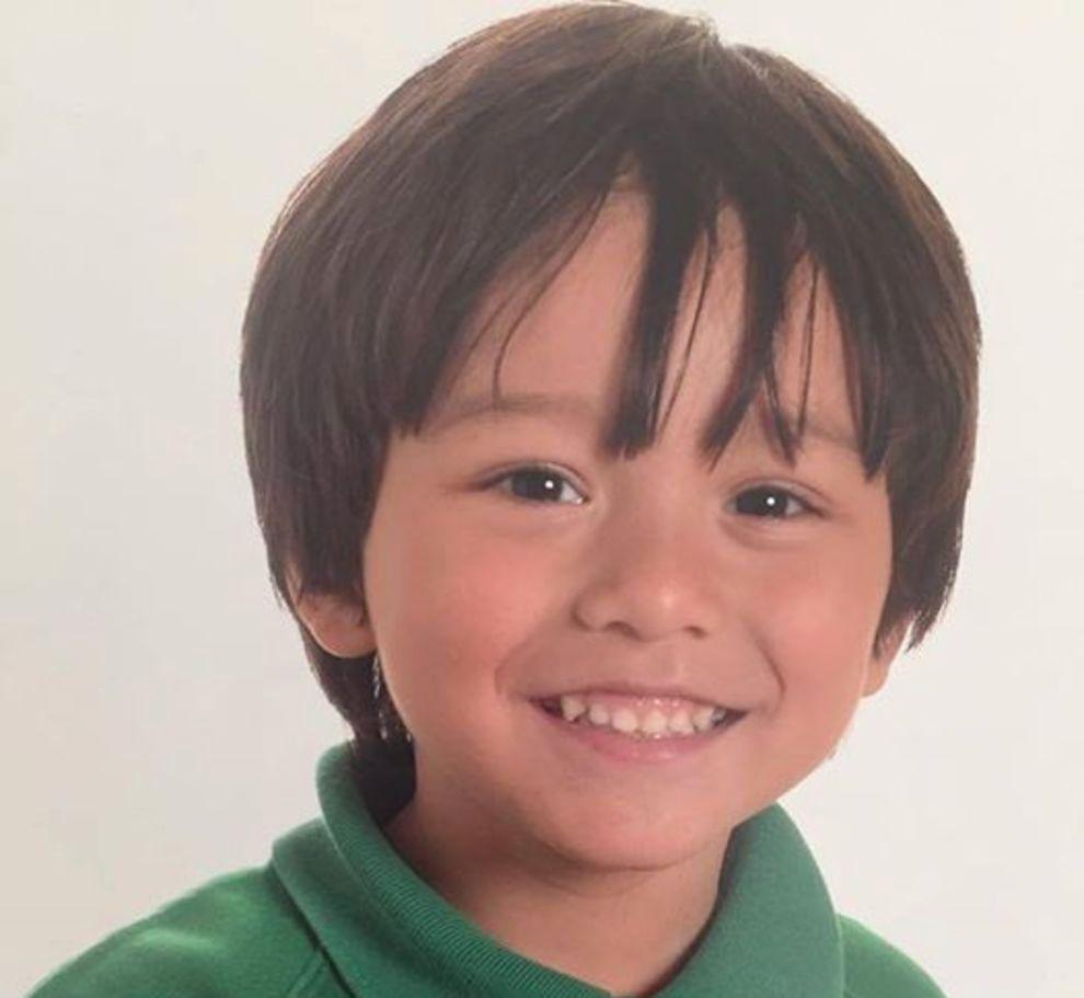 FUNNET: Syv år gamle Julian Cadman kom vekk fra sin mor da en varebil kjørte inn i folkemengden på hovedgaten Las Ramblas i Barcelona torsdag ettermiddag. Nå er han funnet. Foto: Privat.