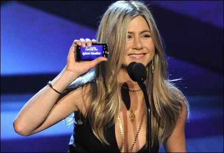 NÅ: Og slik ser Jennifer Aniston ut på håret i dag. Foto: AP