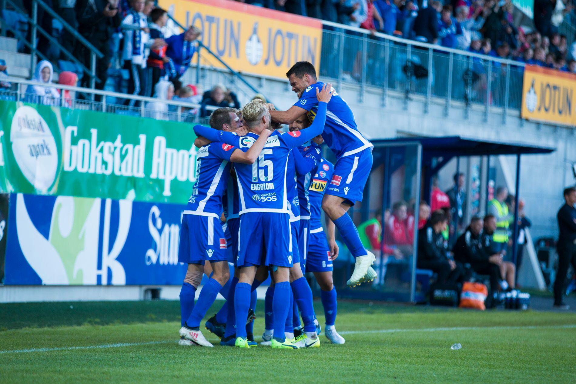 JUBEL: Sandefjord kunne juble for en vakker scoring og tre poeng mot Tromsø.