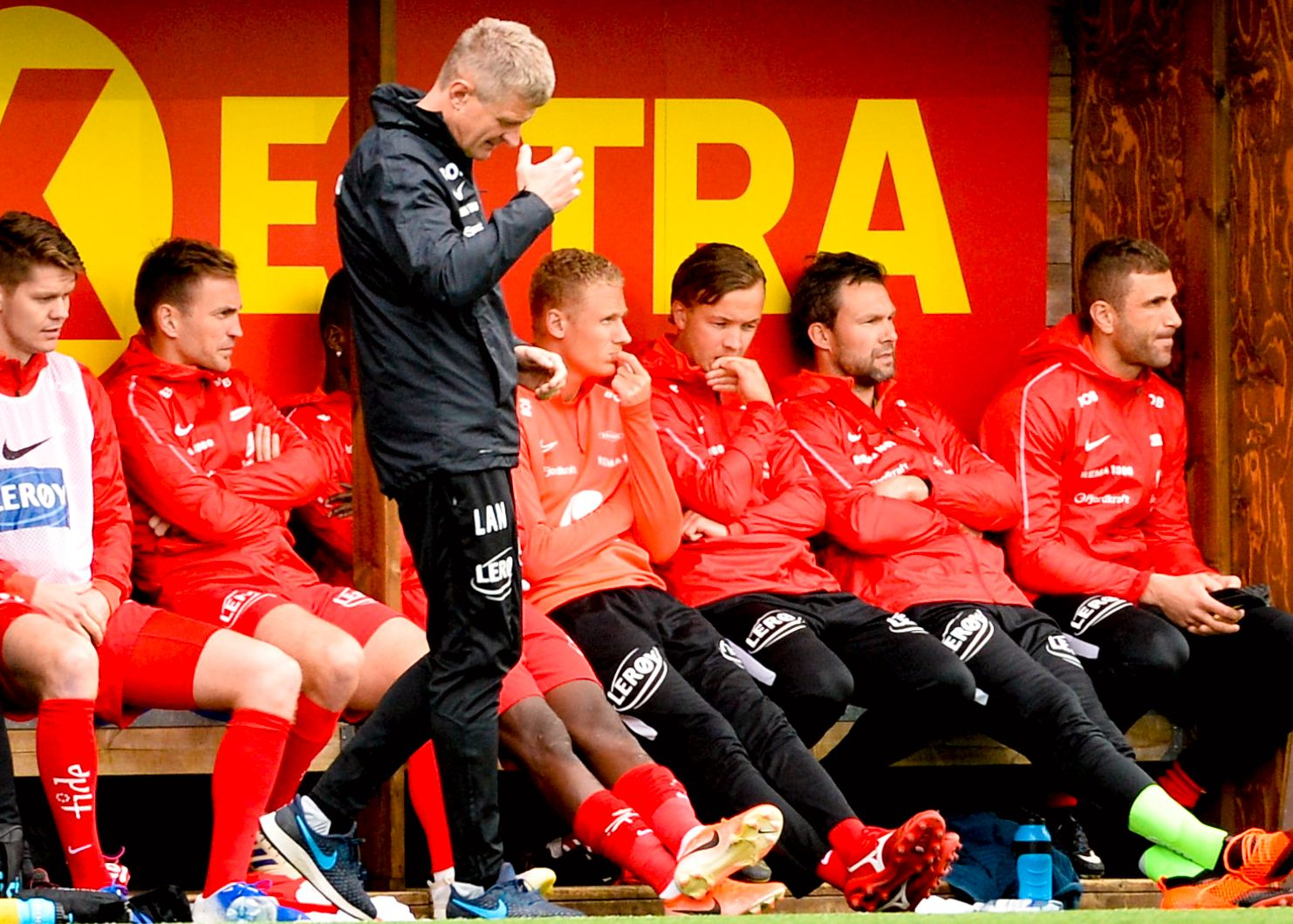 FARVEL NM: Lars Arne Nilsen hadde en blytung kveld på Ranheim stadion. Brann-treneren hadde ikke suksess med Kristoffer Barmen, Fredrik Haugen, Håkon Opdal og Azar Karadas på benken fra start.
