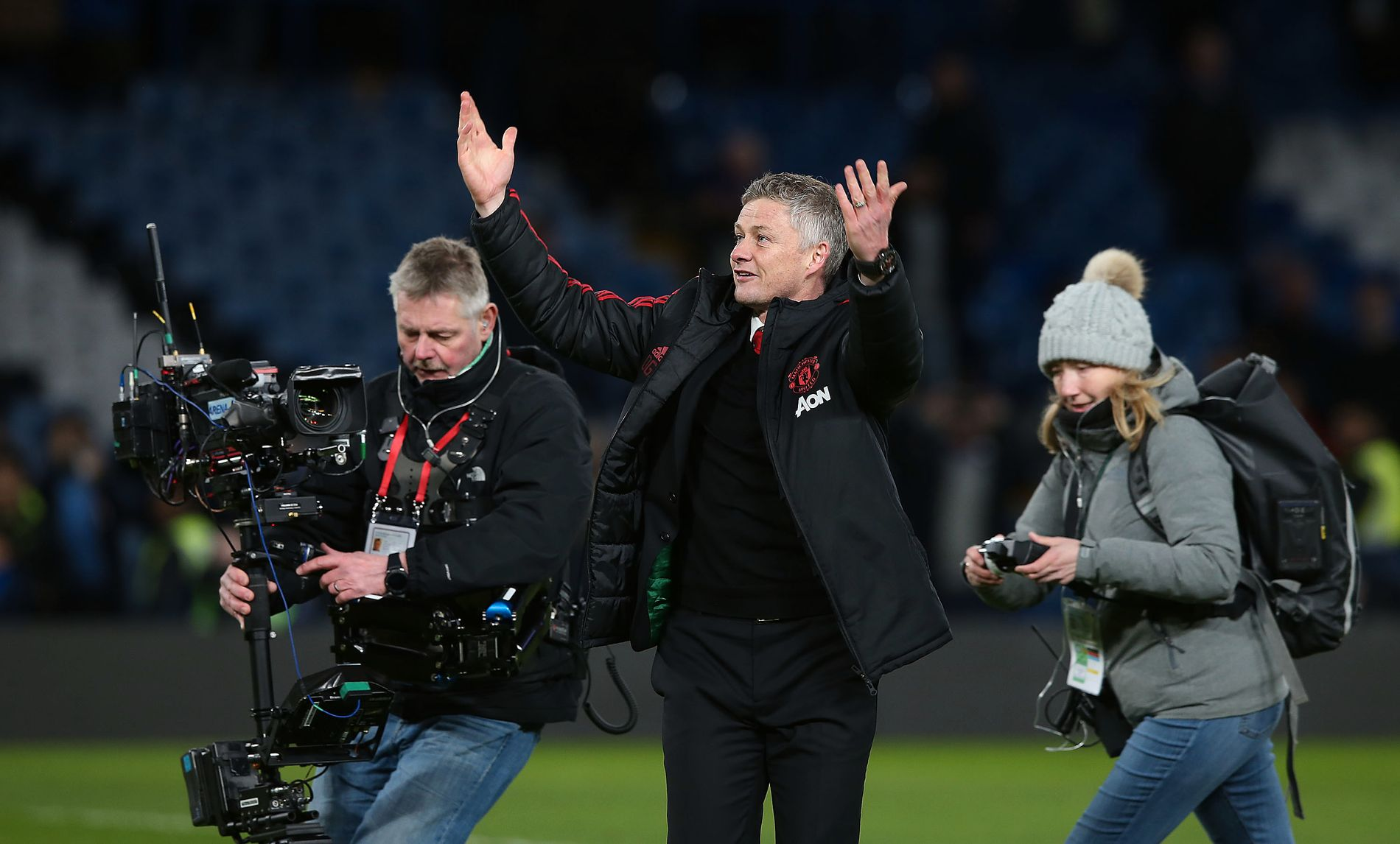 TAKK FOR HJELPEN: Ole Gunnar Solskjær er borte hos United-fansen etter 2–0-seieren.