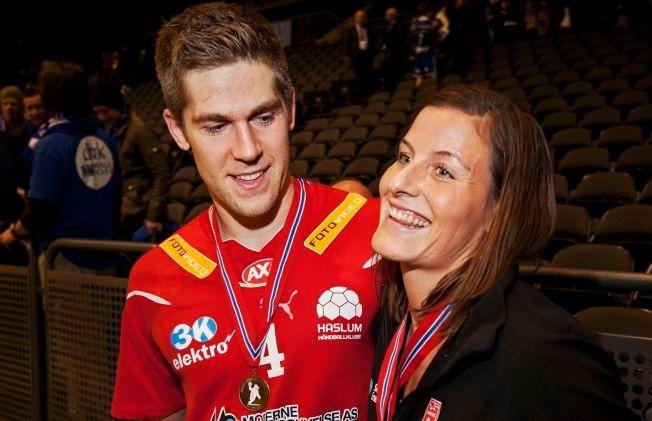 NYBAKTE FORELDRE: Einar og Linn-Kristin Riegelhuth Koren ble 22. desember mor til en jente. Her er ekteparet sammen etter at de begge hadde vunnet NM-gull i 2011.