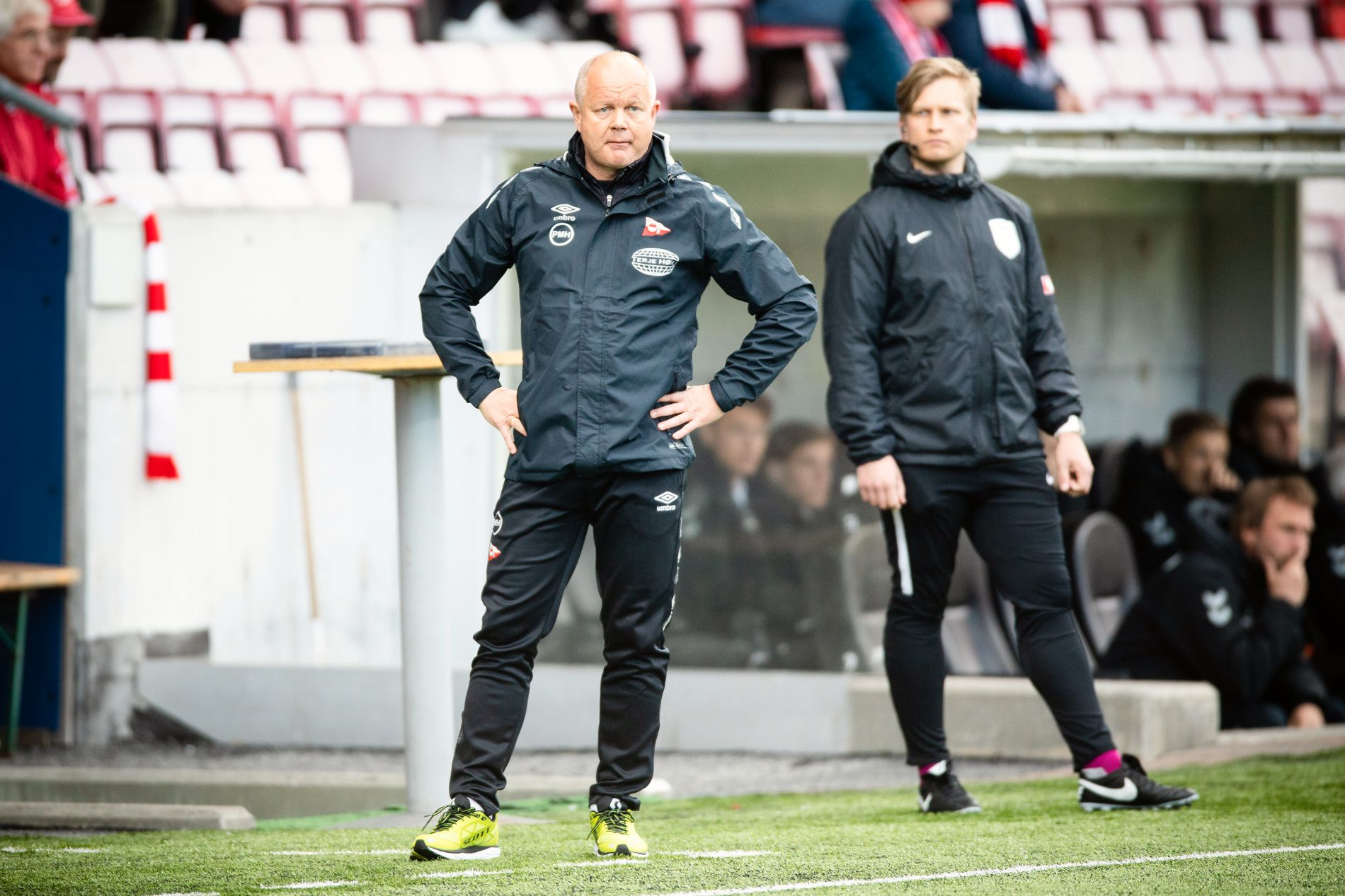 NEDTUR: Fredrikstad og Per-Mathias Høgmo klarte ikke å rykke opp til OBOS-ligaen i år.
