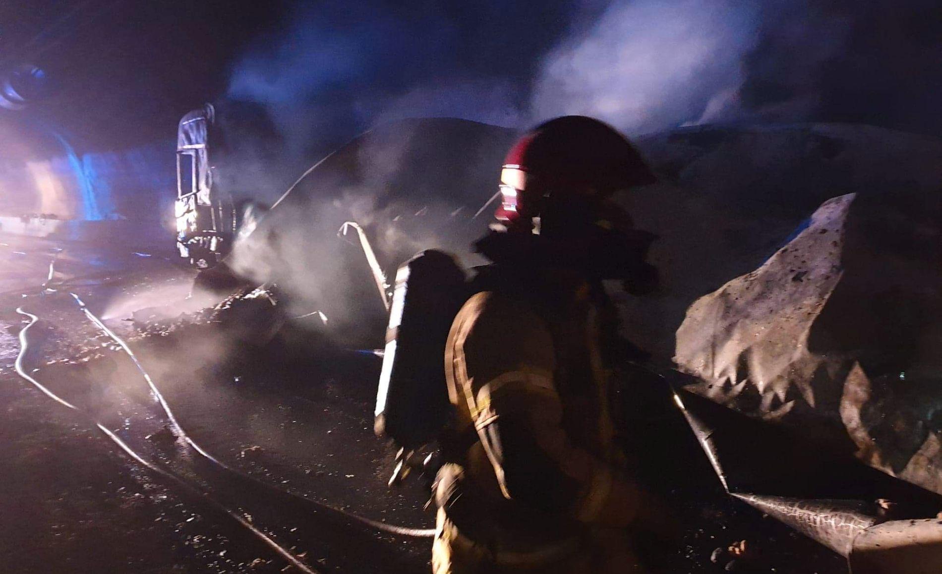INGEN LIV TAPT: Gudvangatunnelen har hatt tre voldsomme vogntogbranner på seks år. Nå vil lastebileierne ha stopp for flere giganttunneler med stigning.