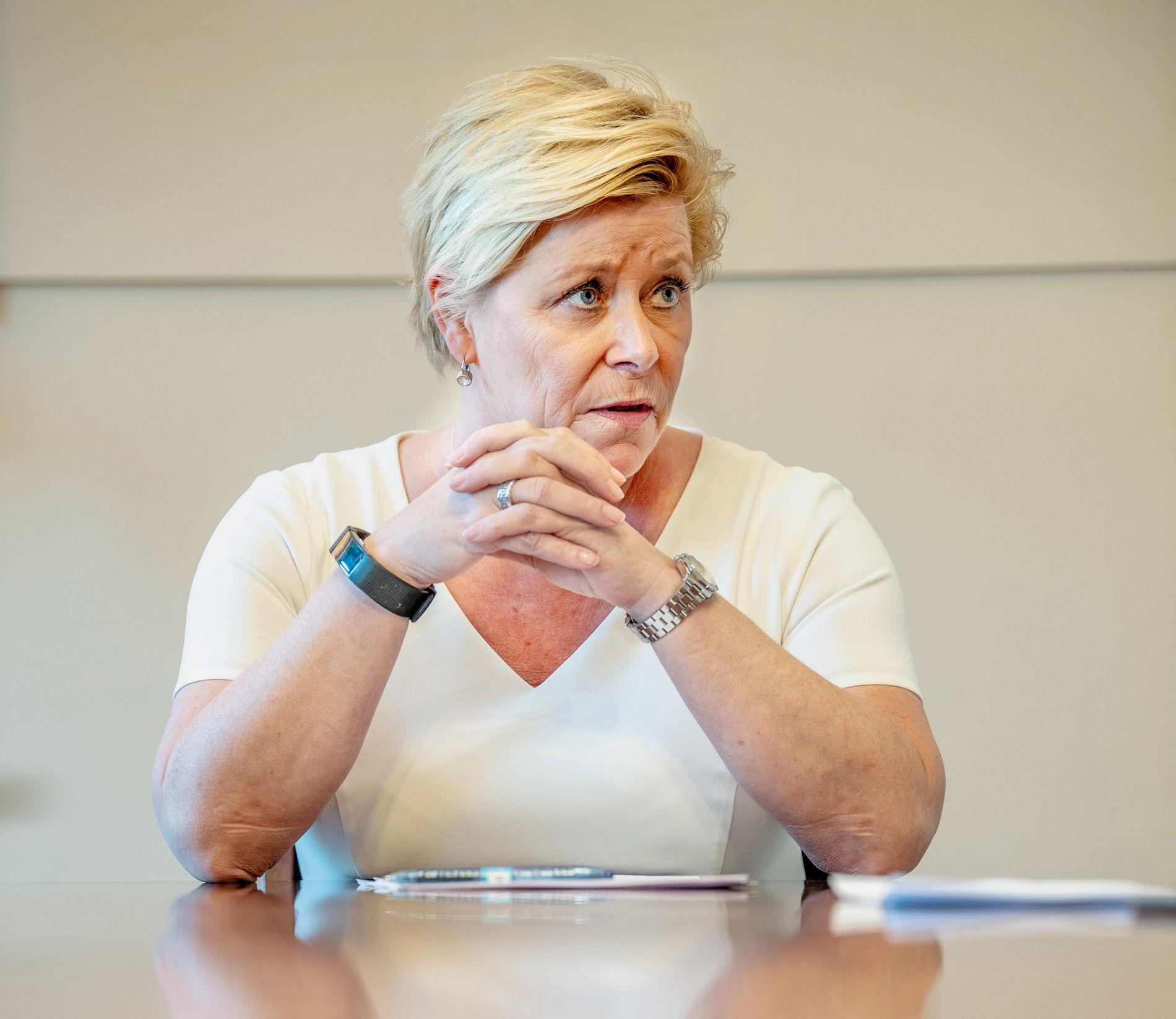 Frp-leder Siv Jensen har innkalt til møte ondag. Da ligger bompengesaken på bordet. Bildet er tatt i forbindelse med revidert nasjonalbudsjett tidligere denne måneden.