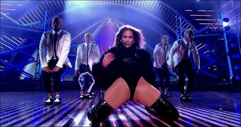 FREKK: Dette var blant skjermbildene av Jennifer Lopez som ble i overkant sexy for britiske TV-seere tirsdag. Det er ITV som sender «Britain's Got Talent». Foto: WENN