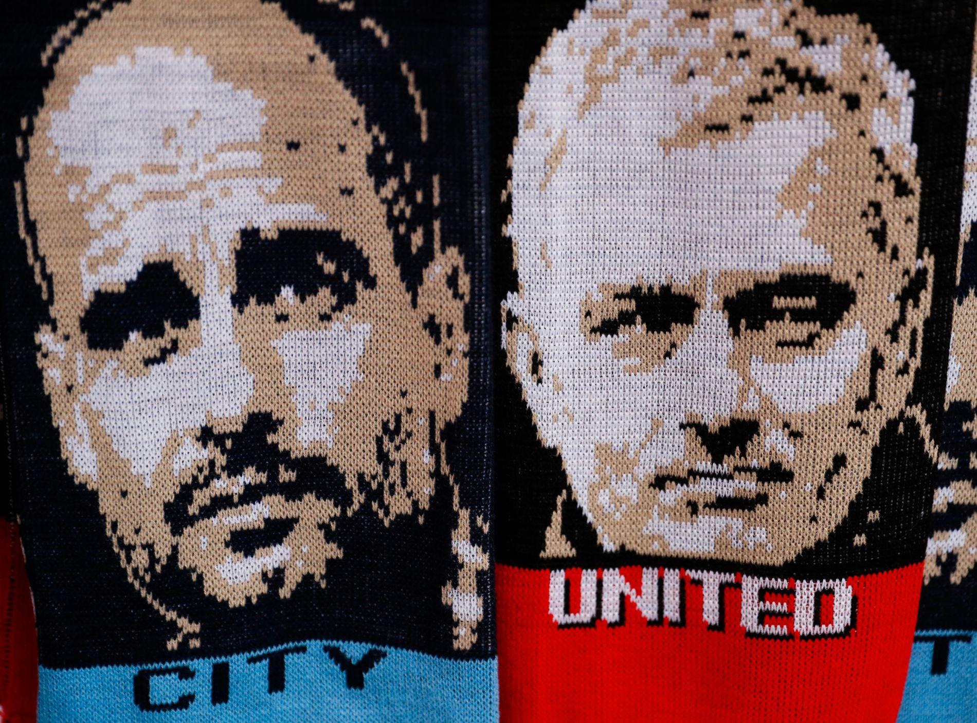 MANAGER-STJERNENE: Pep Guardiola og José Mourinho hadde enorme forventninger knyttet til seg foran sesongen. Akkurat nå ser det ut som de sliter med å innfri dem. Her fra en salgsbod foran ligacupmøtet mellom lagene i oktober.