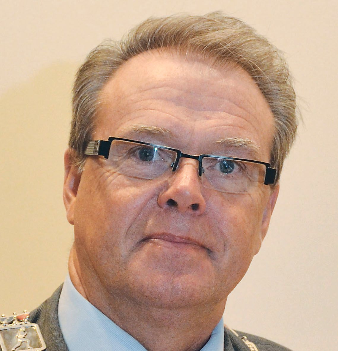 KJENT MED PROBLEMATIKKEN: Fylkesordfører Jon Aasen (Ap) sier de er godt kjent med problematikken rundt dårlige fylkesveier. Fylket, som har høye fjell og fjorder har spesielt mange tunneler.