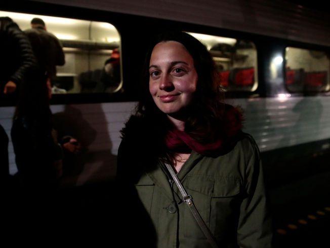 GJORDE PLASS I BILEN: Maria Jonassen var en av privatpersonene som onsdag kveld stilte opp i Rødby, klar for å kjøre flyktninger dit de måtte ønske.