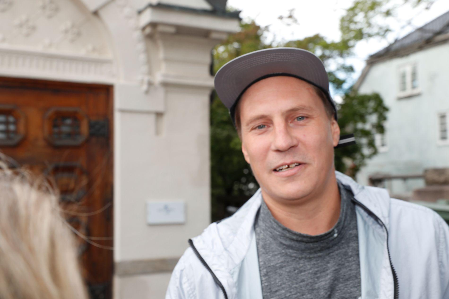 PÅ FEST: VG-lista aktuelle OnklP var blant de inviterte på Universals årlige sommerfest torsdag. Der åpnet han seg om pappatilværelsen.