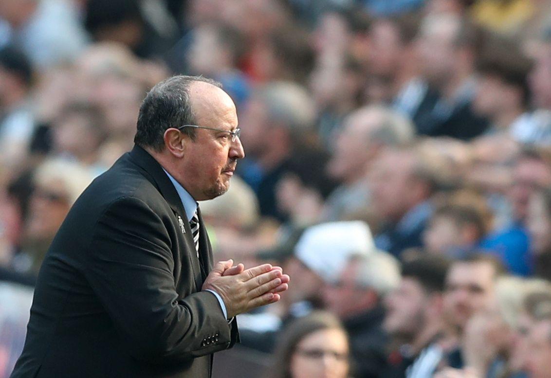 BØNN: Rafael Benítez mener man må ha realistiske forventninger til Newcastle.