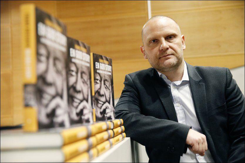 USMINKET: Forfatter og politisk kommentator Frank Rossavik lanserte tirsdag sin biografi om Kåre Valebrokk. Foto: Cornelius Poppe / NTB scanpix