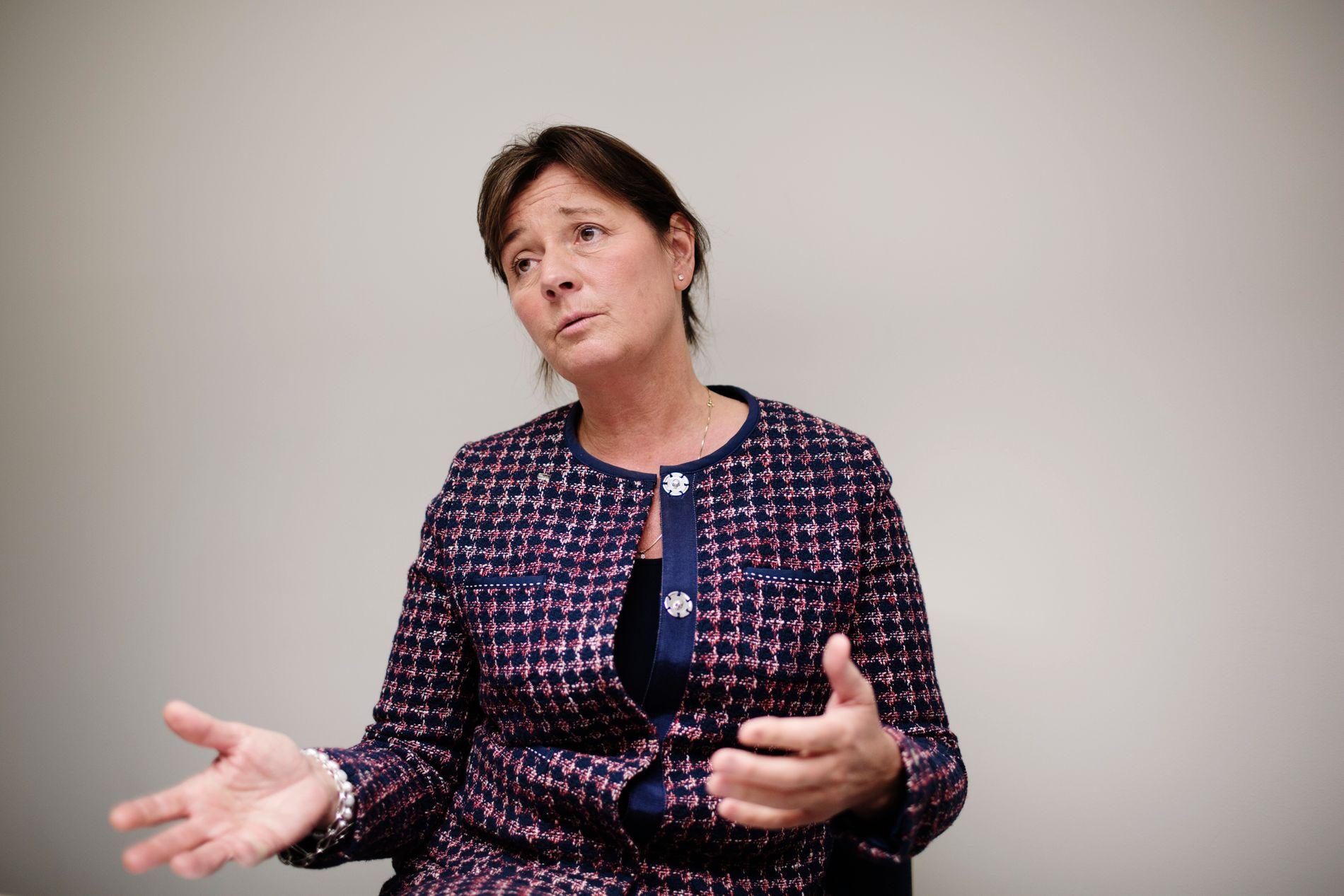 MANGLER PENGER: Cecilie Daae, direktør for Direktoratet for samfunnssikkerhet og beredskap, har ikke råd til å gjennomføre hovedanbefalingene fra Forsvarets forskningsinstitutt.