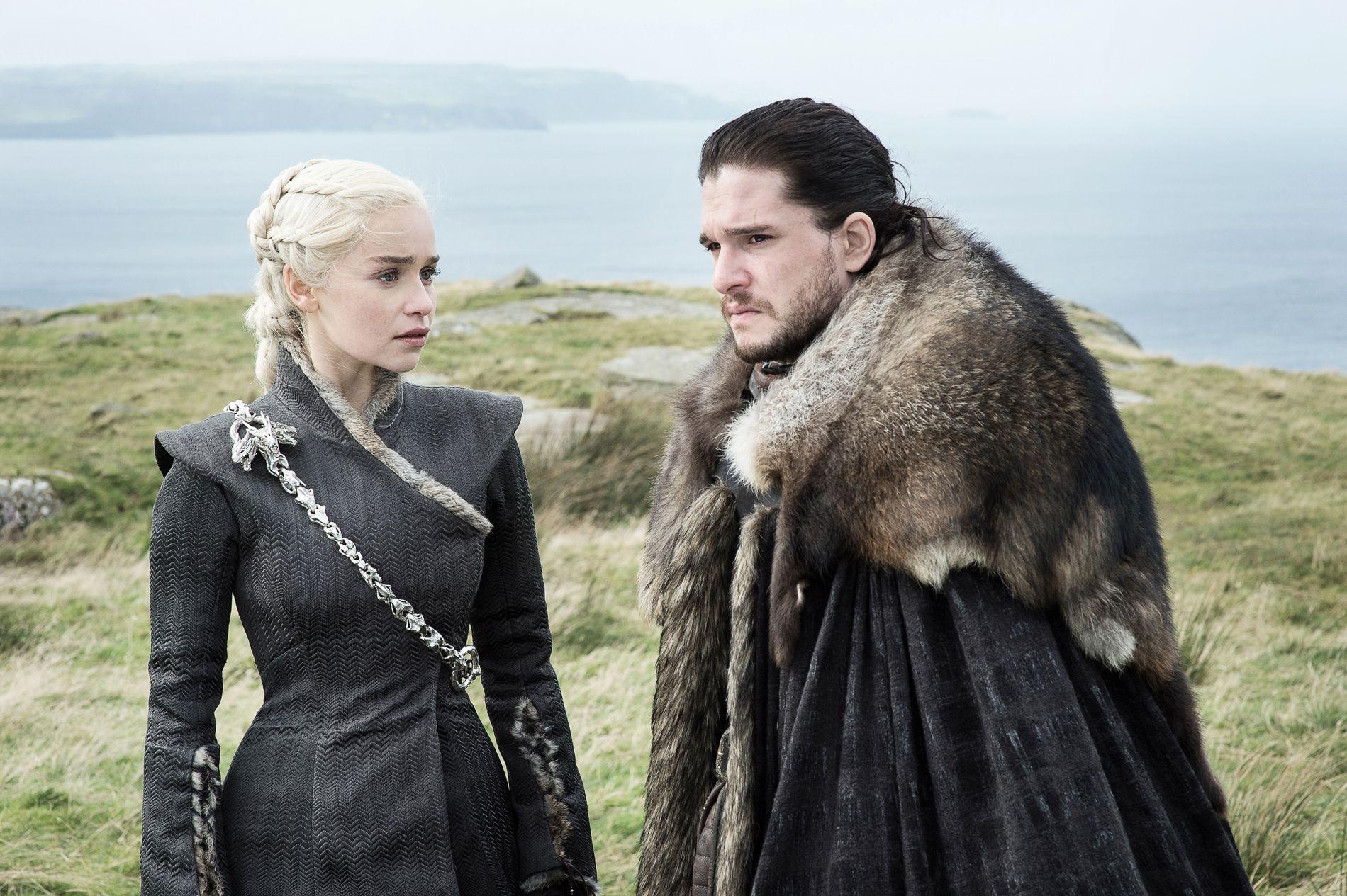 OVERBEVISTE:  Daenerys Targaryen (Emilia Clarke) og Jon Snow (Kit Harington) i sesong 7 av «Game of Thrones».