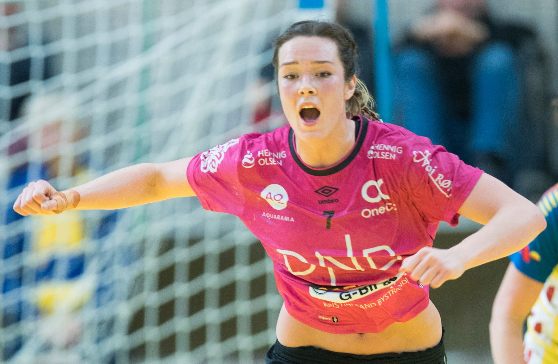 STRÅLENDE LEVERT: Kari Brattset ble mandag seriemester med Vipers etter den siste uken å ha levert 10 mål i seriefinalen mot Larvik og ni i EHF-semifinalen mot Viborg. Neste sesong forsvinner landslagsspilleren fra Kristiansand.