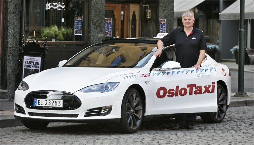 EL ELLER IKKE: Trond Gustav Sømme sparer 100.000 kroner i året i diesel, bompenger og parkering, sier han. Foto: JAN PETTER LYNAU/VG.