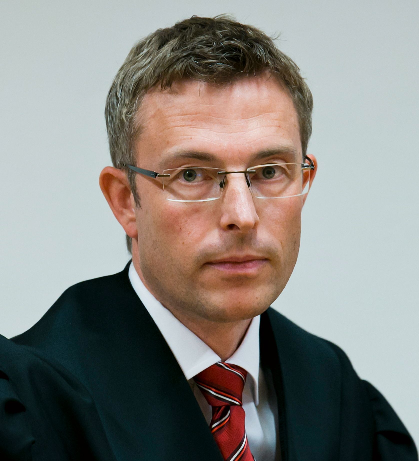 BISTÅR BARNEFAREN: Advokat Morten Engesbak.