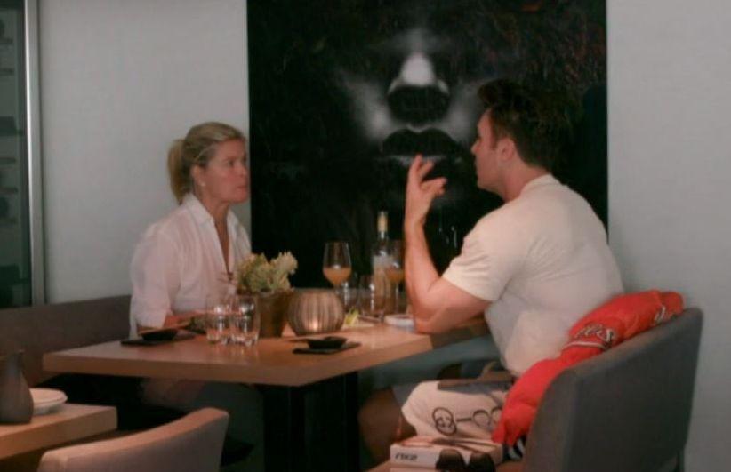 FIKK TRØST: Jan Thomas tok seg tid til å trøste Vendela Kirsebom i mandagens «Vendela + Petter» på TV 2.