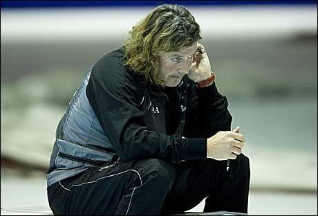 I DEKNING: Peter Mueller har ikke vært tilgjengelig for kommentar i dag etter at det nye trenerteamet ble klart. Foto: Leo Vogelzang