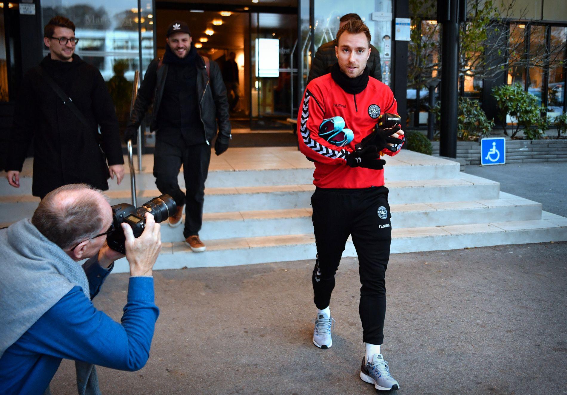 KLAR FOR IRLAND: Christian Eriksen og Danmark er igang med forberedelsene foran lørdagens VM-playoff mot Irland. Foto: BJØRN S. DELEBEKK, VG