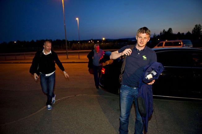 FOTBALLKJENDISER: Jim Solbakken (t.v) representerer flere store profiler i fotball-Norge. Blant andre Ole Gunnar Solskjær (t.h).