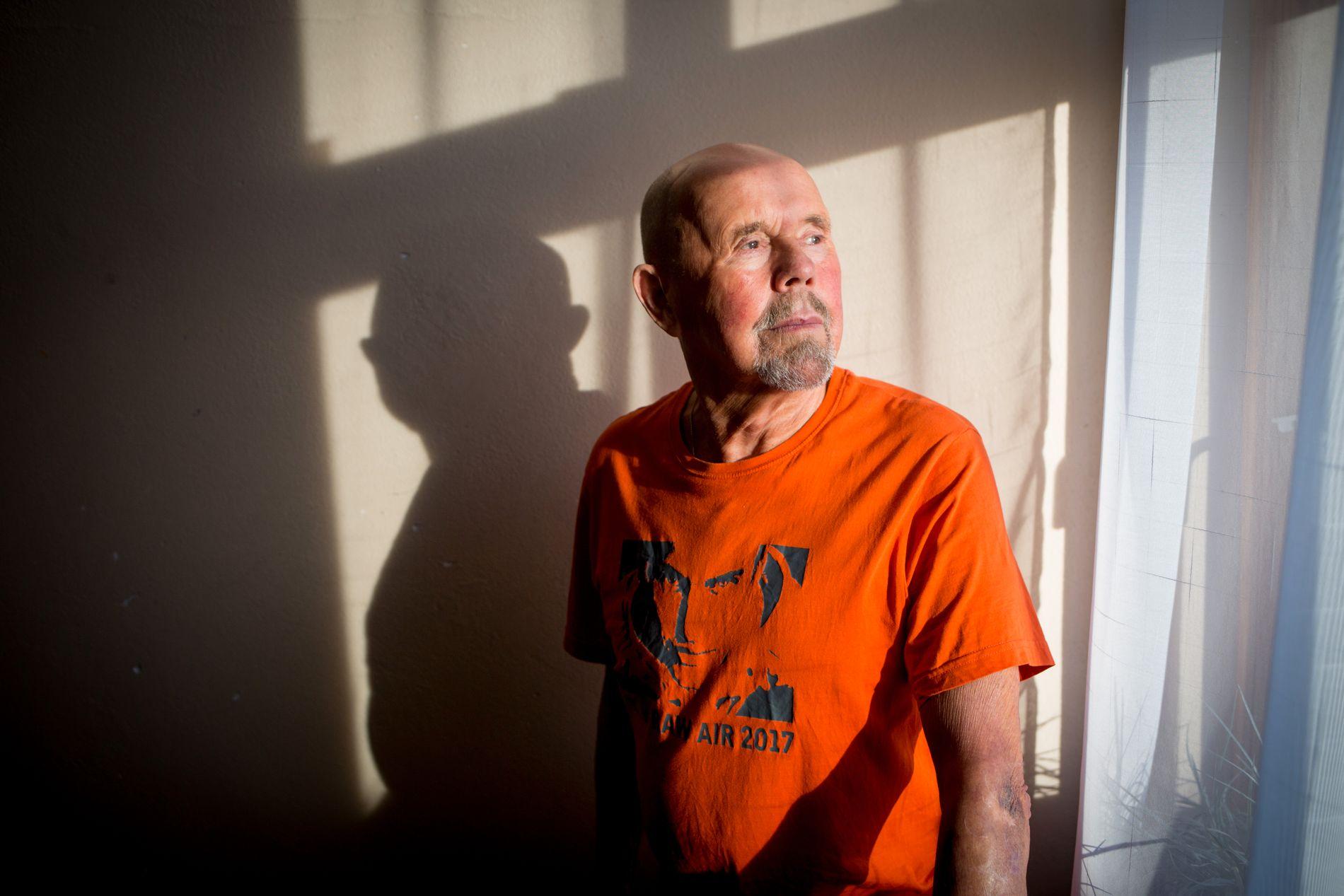 DYRE SMERTER: Helge Kronborg forteller at han har brukt 100.000 kroner av egen lomme for å kurere smertene han har slitt med i 14 år – uten at det har hjulpet.