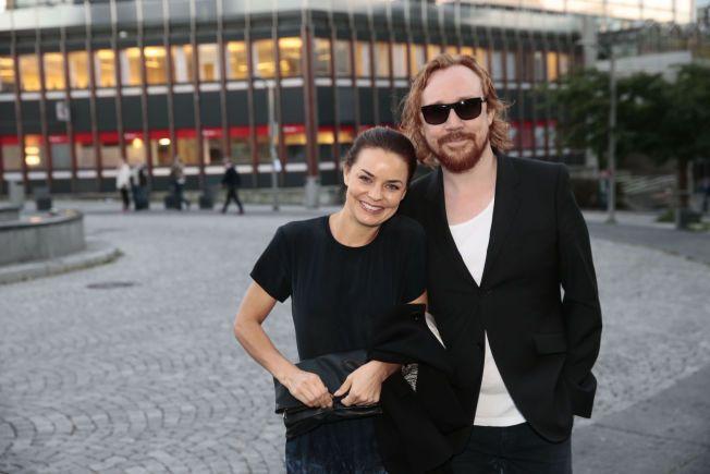 HEMMELIGHETSFULLE: Agnes Kittelsen og Lars Winnerbäck viste seg sammen offentlig for første gang under en premiere i Oslo.