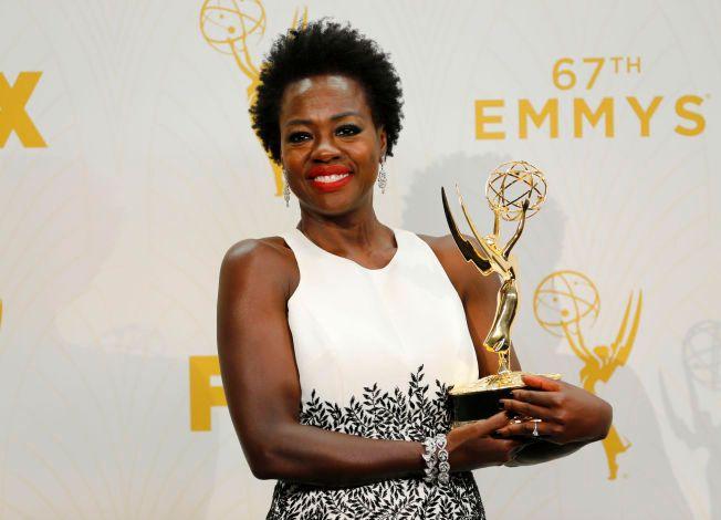 PRISVINNER: Viola Davis vant en Emmy i år for Beste kvinnelige hovedrolle i dramaserie, for hovedrollen i «How To Get Away With Murder».