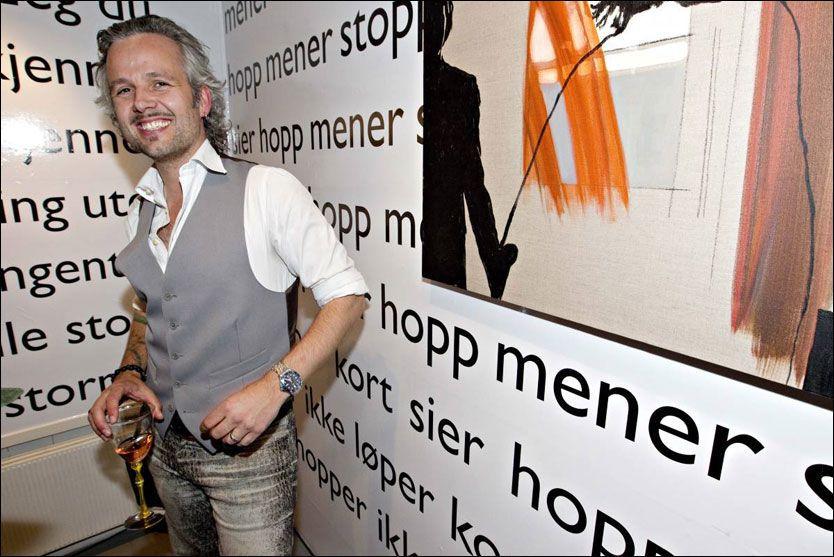 LANSERING: Ari Behn serverte høytlesning til de fremmøtte tirsdag ettermiddag. Foto: Mattis Sandblad/VG