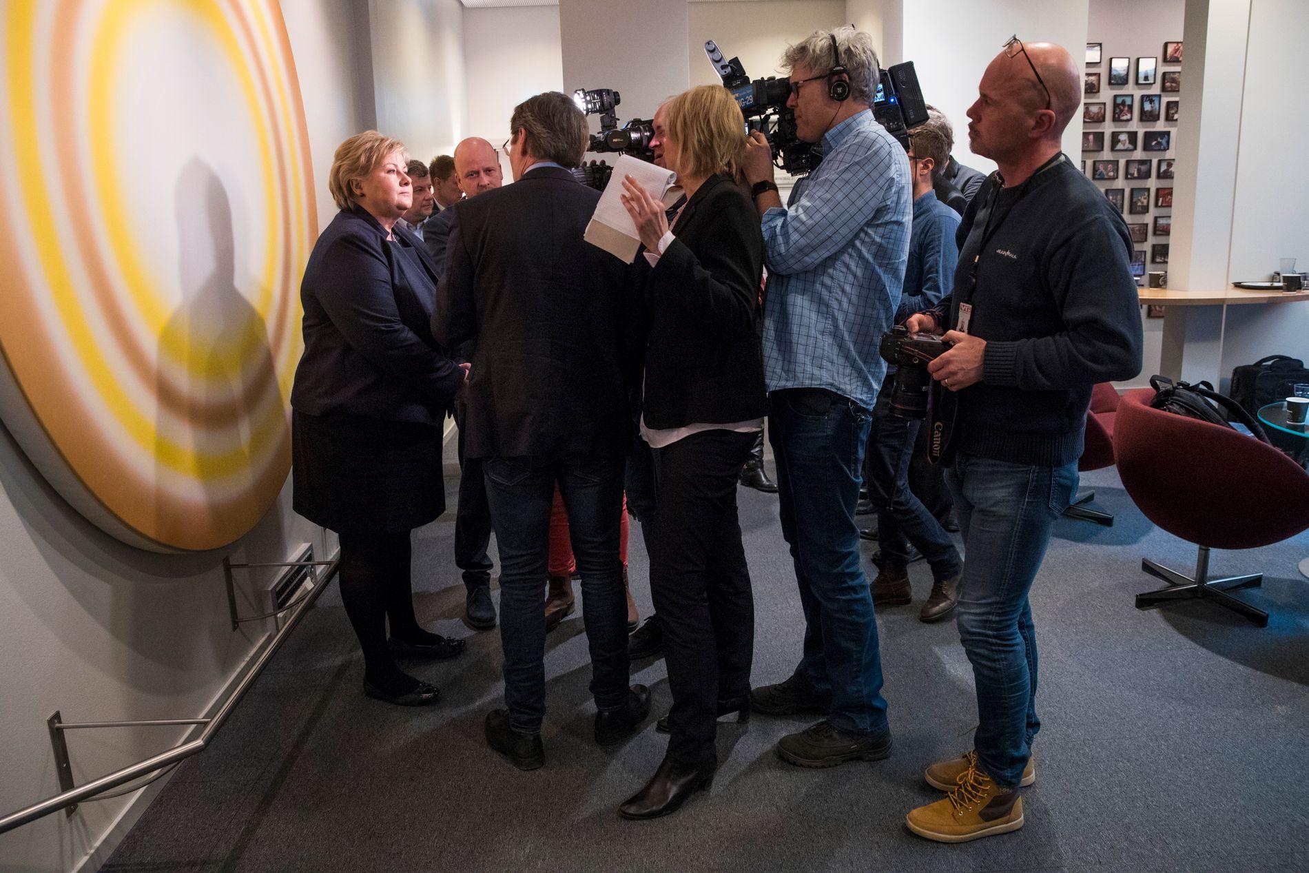 PRESSET: Under mandagens høring vil statsminister Erna Solberg (H) bli konfrontert med en rekke spørsmål. Her fra fjorårets høring.