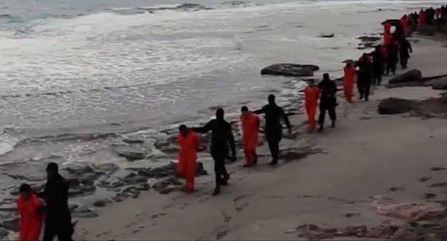GRUSOMME DRAP: Videoen av IS-sympatiserende terrorister som tar livet av 21 koptisk kristne egyptere på brutalt vis, har understreket den alvorlige situasjonen i landet.