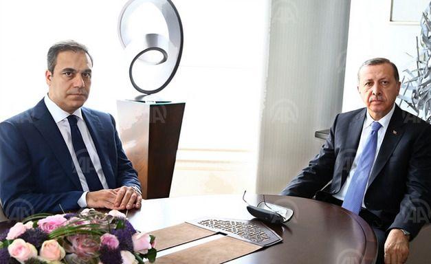 MØTER ERDOGAN: Fidan og Erdogan under et møte i fjor. Nå er ha innkalt på nytt for å forklare seg om det Erdogan mener er en «etterretningssvikt». Bildet er brukt med tillatelse fra det statlige nyhetsbyrået Anadolu.