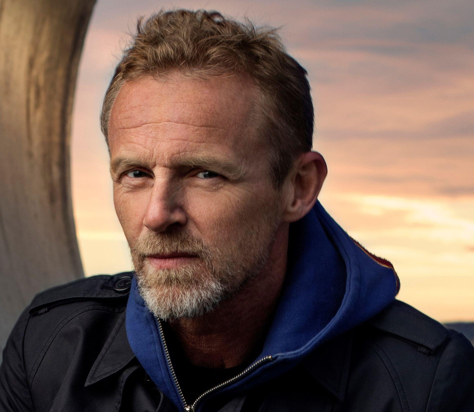 OPPLADET: Jo Nesbø (56) er akkurat tilbake i Oslo etter et lengre skrive- og klatreopphold i Thailand. 21. mars lanserer han den 11. Harry Hole-boken - som trykkes i tidenes største førsteopplag i Norge.