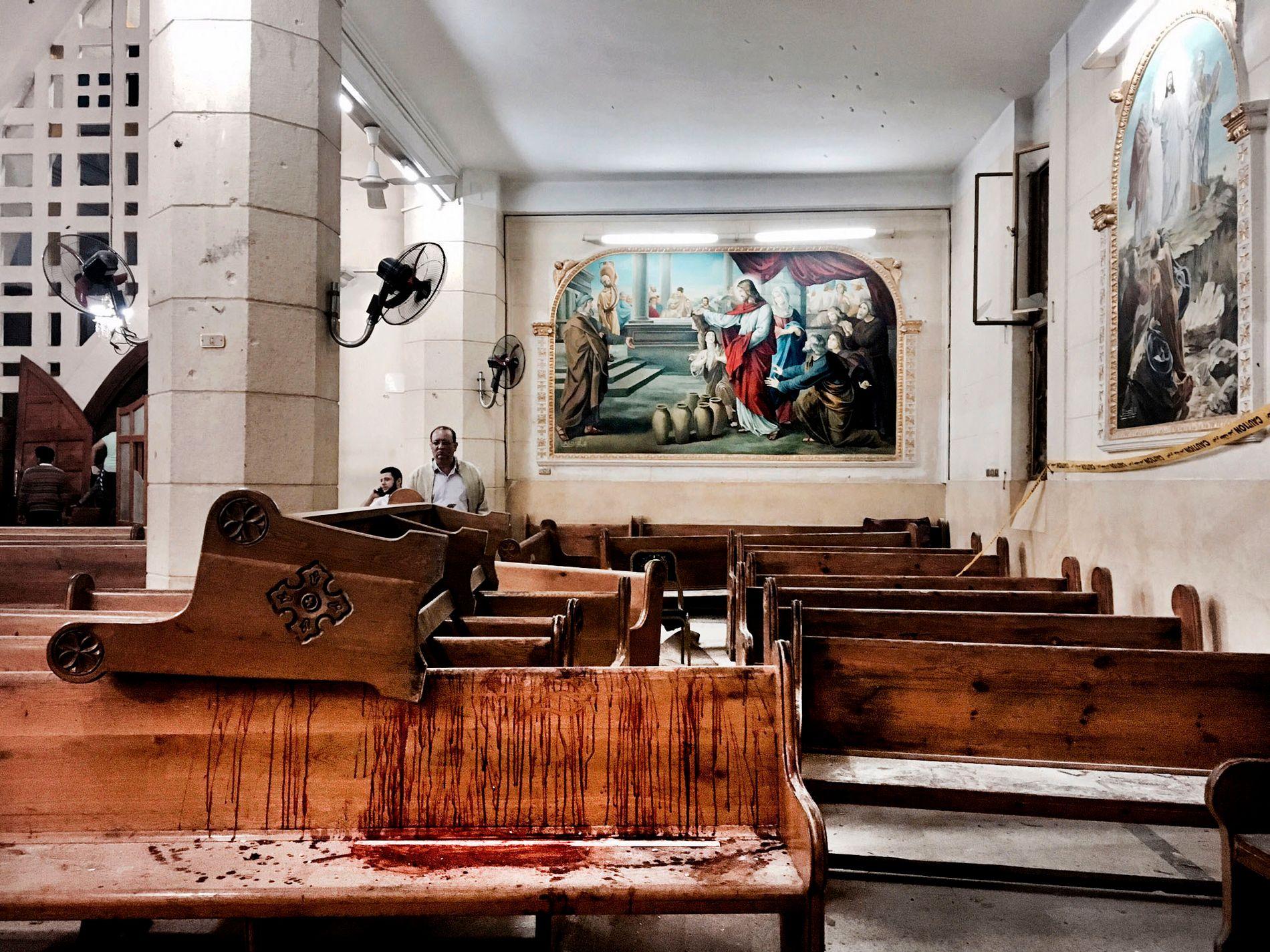 BLODIG: 9. april i fjor ble kirken St. Georg i Tanta, en elv langs Nilen, rammet av et bombeangrep. 27 mennesker mistet livet.