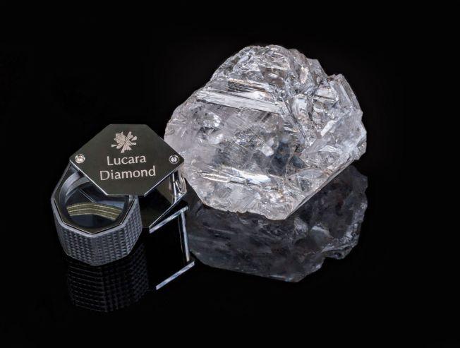 DRØMMEFUNN: Denne diamanten ble funnet i en gruve i Botswana natt til torsdag, og skal være århundrets største diamantfunn.