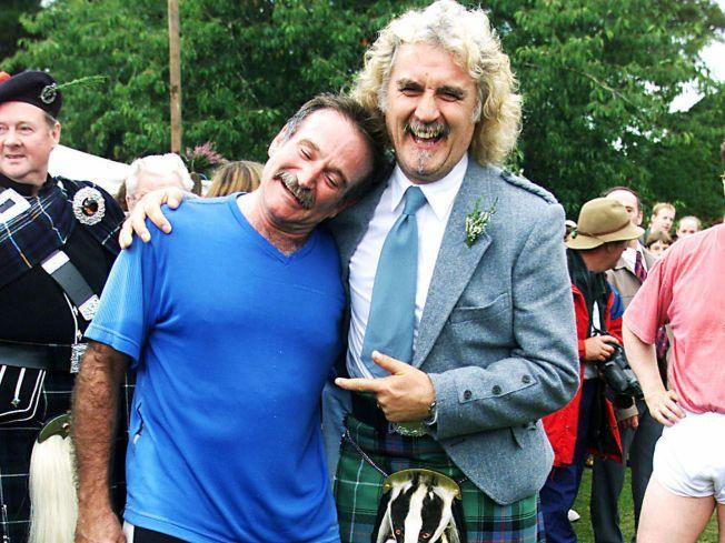 SAMME DIAGNOSE: Den skotske komikeren Billy Conolly ga sin gode venn Robin Williams råd om sykdommen. Her er kameratene sammen i Skottland i 2000.