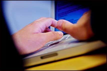 LOVLIG: Sjefer kan nå lese ansattes epost i spesielle tilfeller. Foto: VG